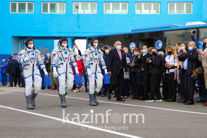Космический корабль «Гагарин» с российско-американским экипажемстартовал с Байконура