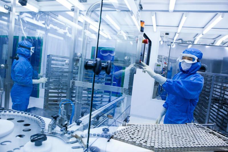 В июне Казахстан сможет выпускать полмиллиона вакцин собственного производства