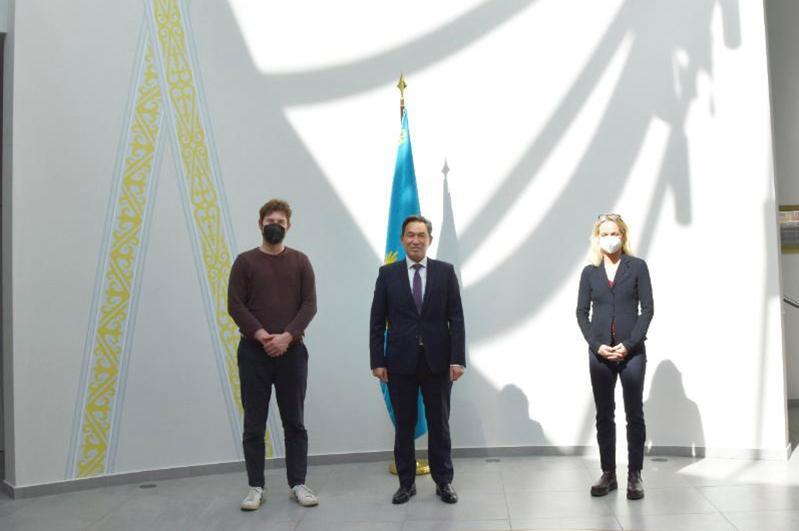 Посол Казахстана встретился c немецкими евродепутатами