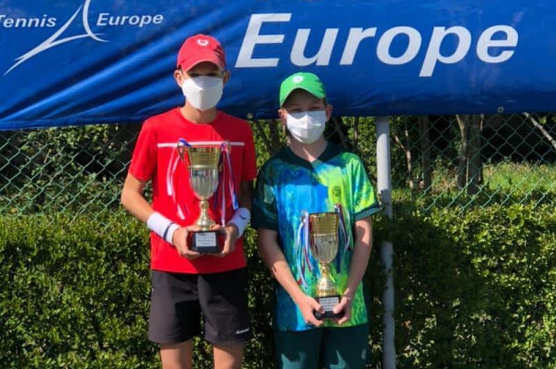 Юный казахстанский теннисист завоевал титул на турнире в Албании