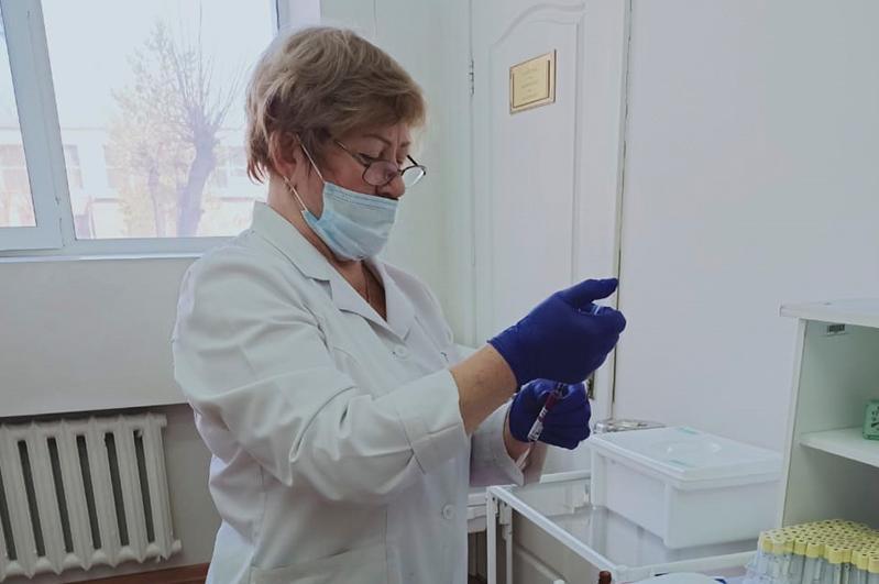 Центр вакцинации открыли в карагандинском медуниверситете