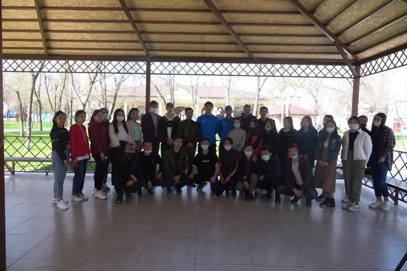 Спортсмены ФК «Тараз» встретились с молодежью