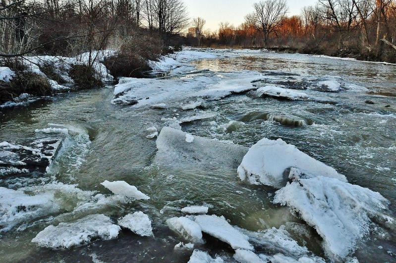 Штормовое предупреждение из-за подъема уровня в воды в реках объявили в СКО