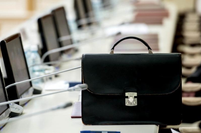 Законопроект о выборах местных акимов представили в Мажилисе