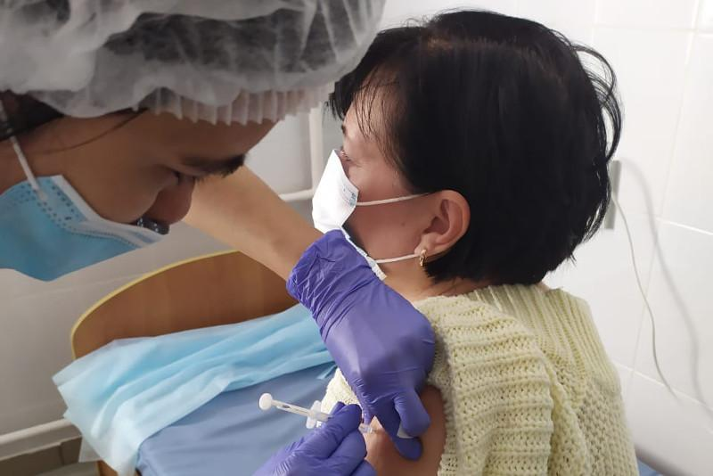 80% работников станции скорой помощи в Павлодарской области привились от коронавируса
