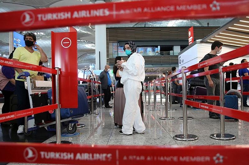 Турция продлила требование о наличии ПЦР-теста для прибывающих авиапассажиров