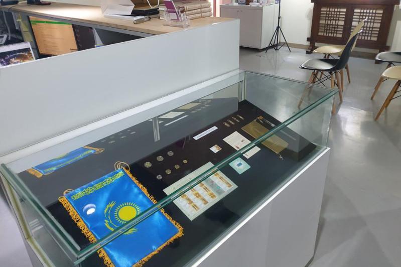 Корея Республикасида Қозоғистон мустақиллигининг 30 йиллигига бағишланган маркалар чиқарилди