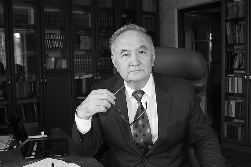 Ушел из жизни известный казахстанский поэтЕсенгали Раушанов