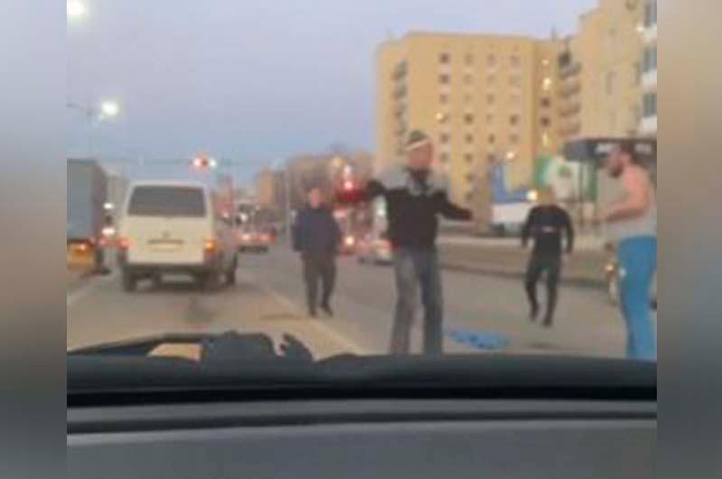 Два водителя устроили драку на дороге в Нур-Султане