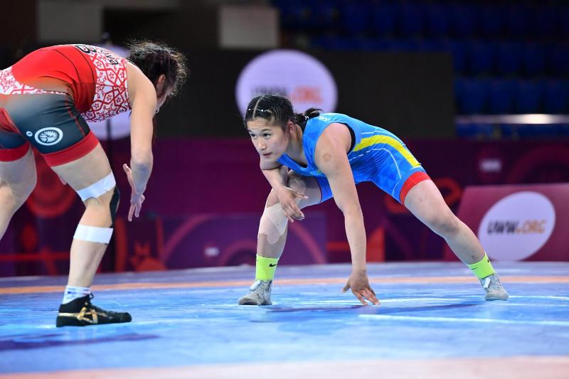 哈萨克斯坦选手摘得摔跤亚锦赛铜牌