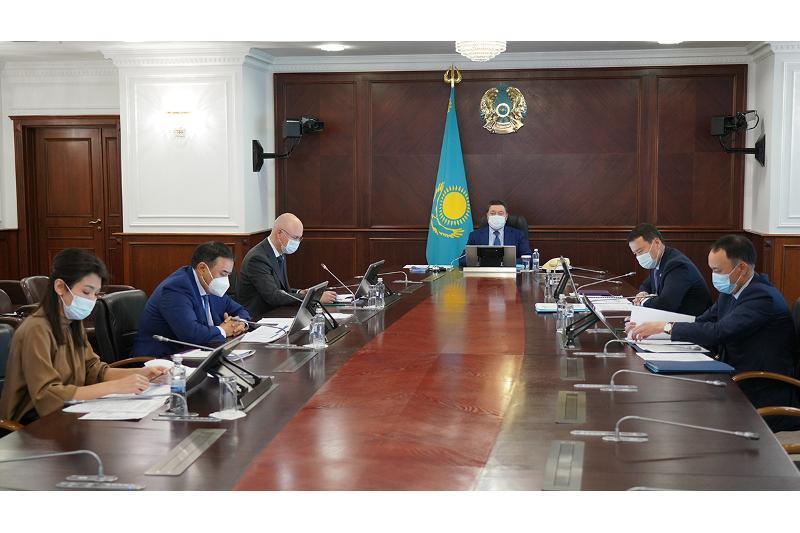 政府总理主持召开企业问题项目办公室工作会议