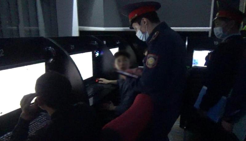 28 подростков доставили в полицию Тараза