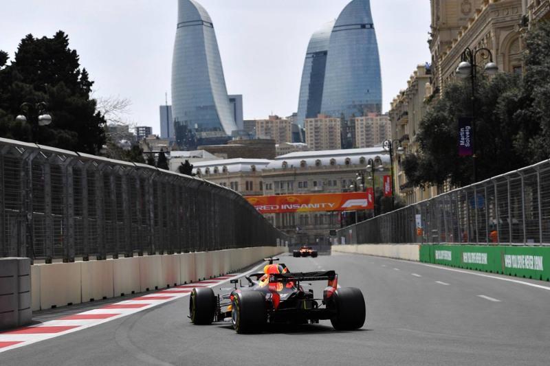 Формула-1: в Азербайджане упрощают визовый режим на период гонок