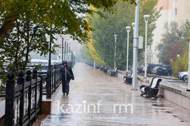 Усиление ветра и дождь ожидается на большей части территории Казахстана