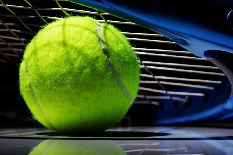 Теннис: