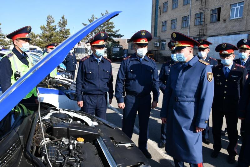 Строевой смотр служебного автотранспорта провели в Акмолинской области