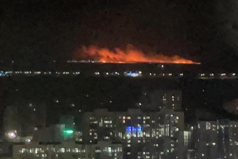 Сухостой загорелся в столичном районе Есиль