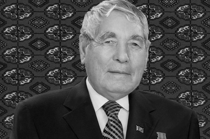 首任总统向土库曼斯坦总统致慰问信