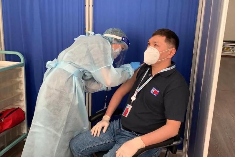 Четыре тысячи работников месторождения Тенгиз привились вакциной «Спутник V»