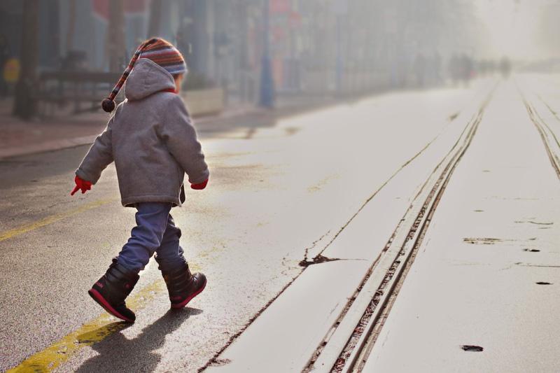 Мать бросила двухлетнего ребенка на улице в Алматы