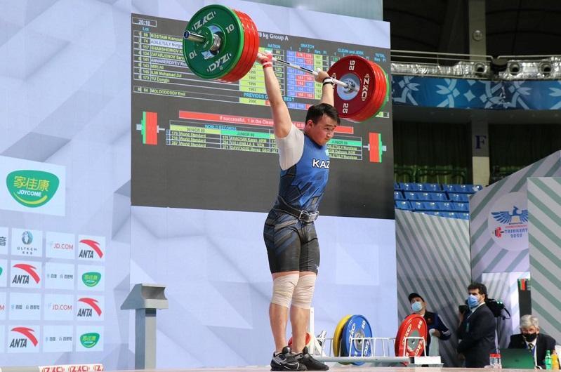 Казахстанский тяжелоатлет стал вторым на чемпионате Азии в Ташкенте