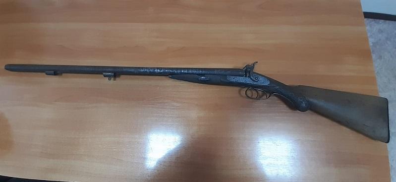 东哈州居民上缴一杆1889年老猎枪
