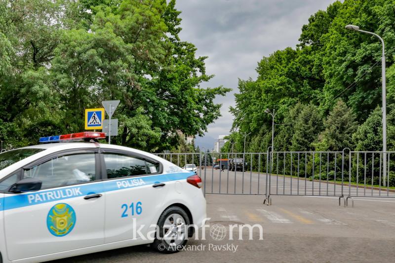 Прогулку по Арбату запретили по выходным в Алматы