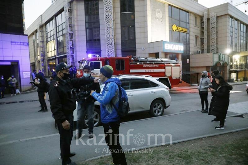 Подтверждена смерть алматинского стрелка, выпрыгнувшего с 17-го этажа