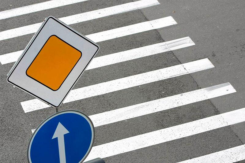 Более 10 тысяч дорожных знаков установят в Казахстане