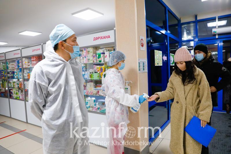Динамика заболеваемости коронавирусом снижается в Казахстане