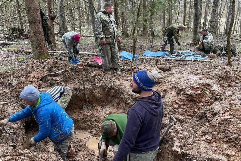 俄罗斯境内二战遗址发现哈萨克士兵遗骨