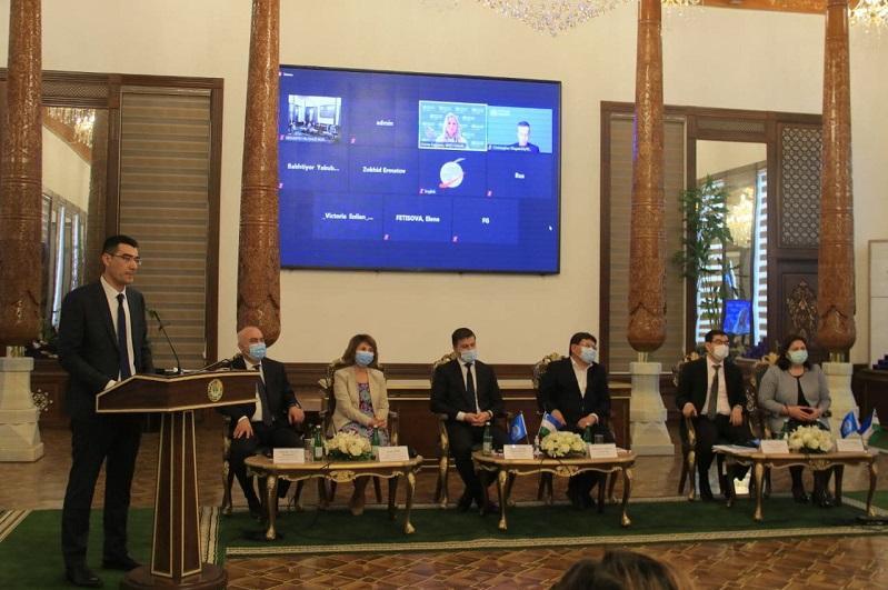 В Узбекистане внедряют пилотный проект государственного медицинского страхования