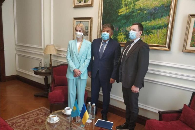 Назначен новый почетный консул Казахстана в Украине