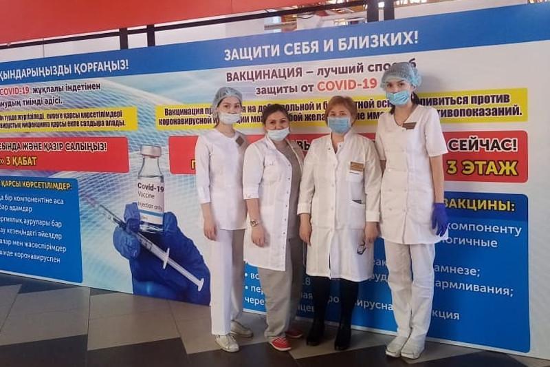 Пункты вакцинации открыли в торговых центрах в Петропавловске