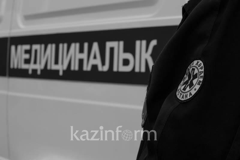 Трехлетнего ребенка насмерть сбил погрузчик в парке в Алматы