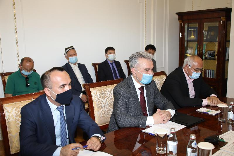 Маршрут скоростного поезда из Ташкента в Туркестан предлагают продлить до Тараза