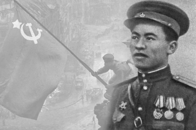 历史上的今天:哈萨克英雄将胜利旗帜插上国会大厦