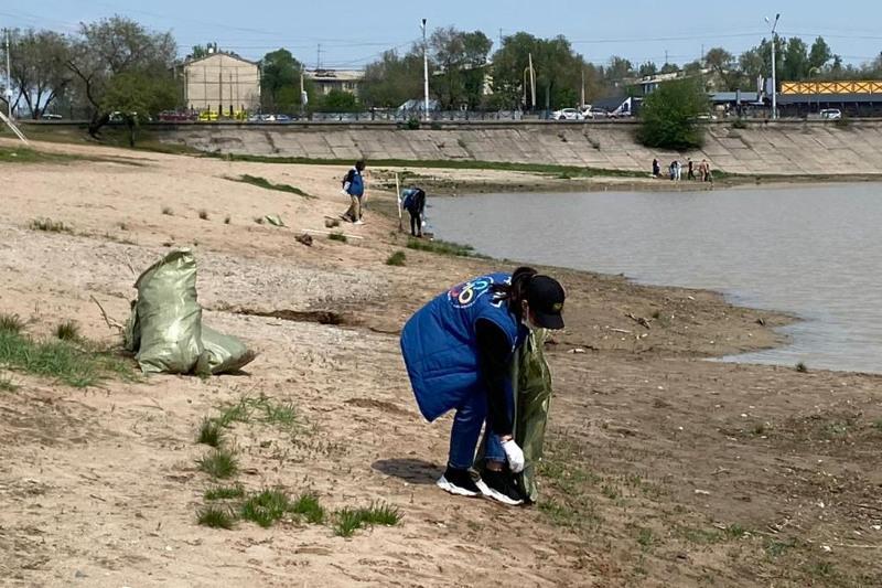 Молодежь Алматы провела экологическую акцию