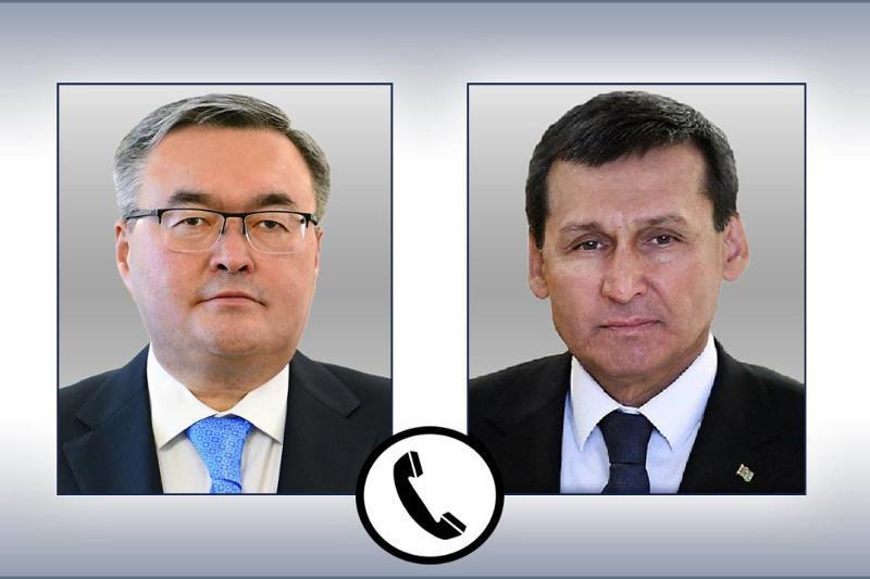 Qazaqstan men Túrikmenstan SІM basshylary telefon arqyly sóılesti