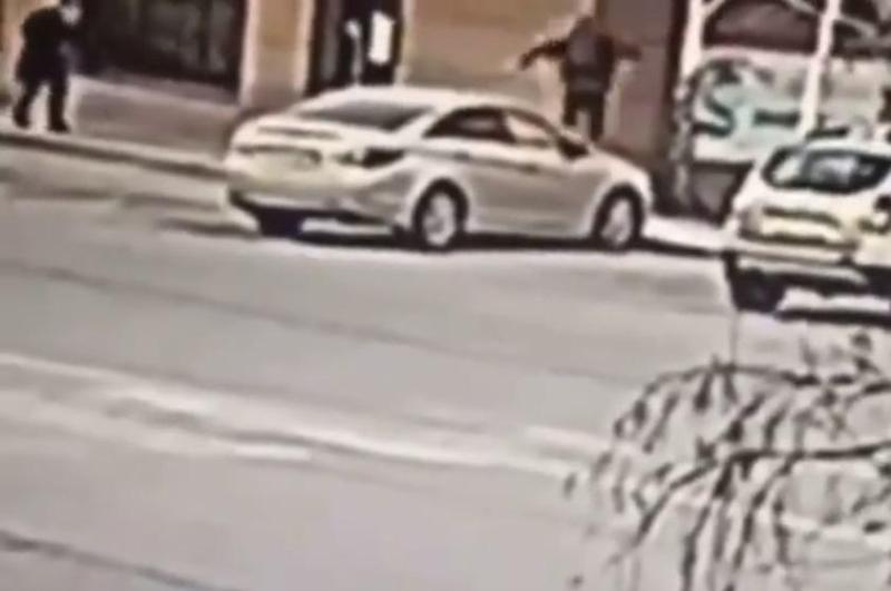 17-летняя девушка повредила три автомобиля в Караганде