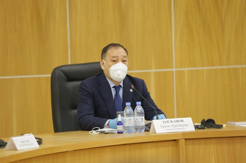 Әкімдер халықты вакциналау жұмысын күшейтуі қажет – Ералы Тоғжанов