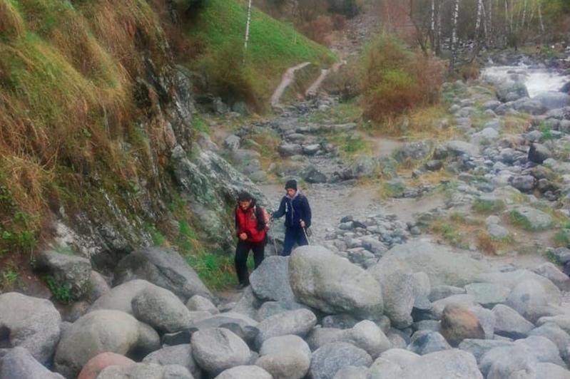 Заблудившихся в горах мужчин спасли в Алматы