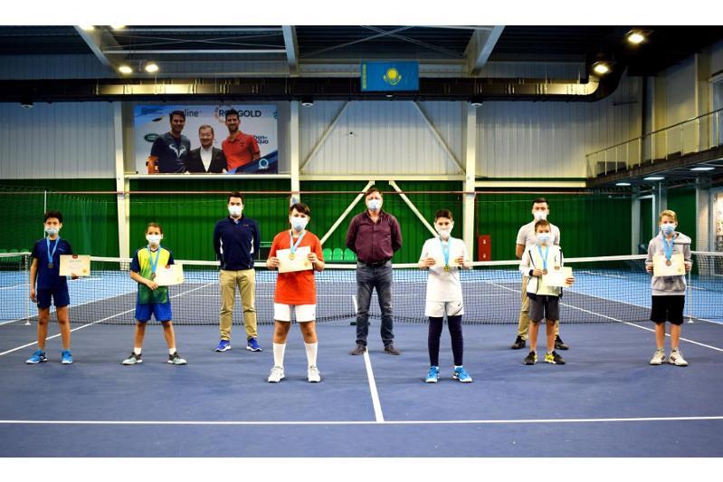 Победителей республиканского турнира по большому теннису определили в Караганде
