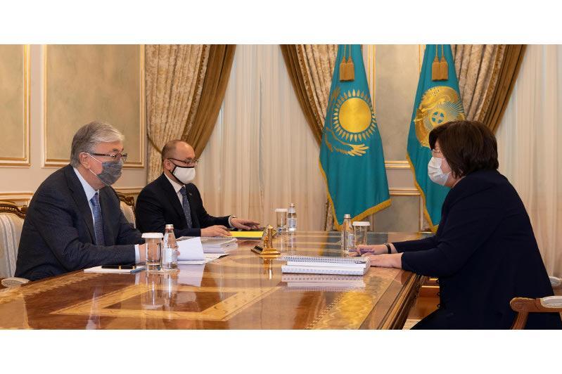 Президент РК принял Уполномоченного по правам человека Эльвиру Азимову
