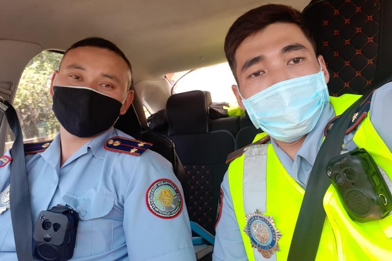 Мы должны подавать пример своими поступками – полицейские, спасшие людей при пожаре в Алматинской области