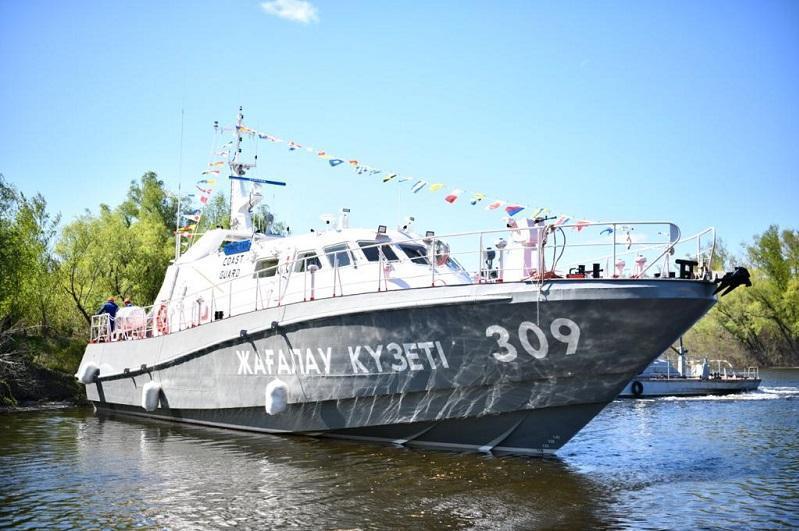 """国产巡逻艇""""突厥斯坦号""""正式下水服役"""