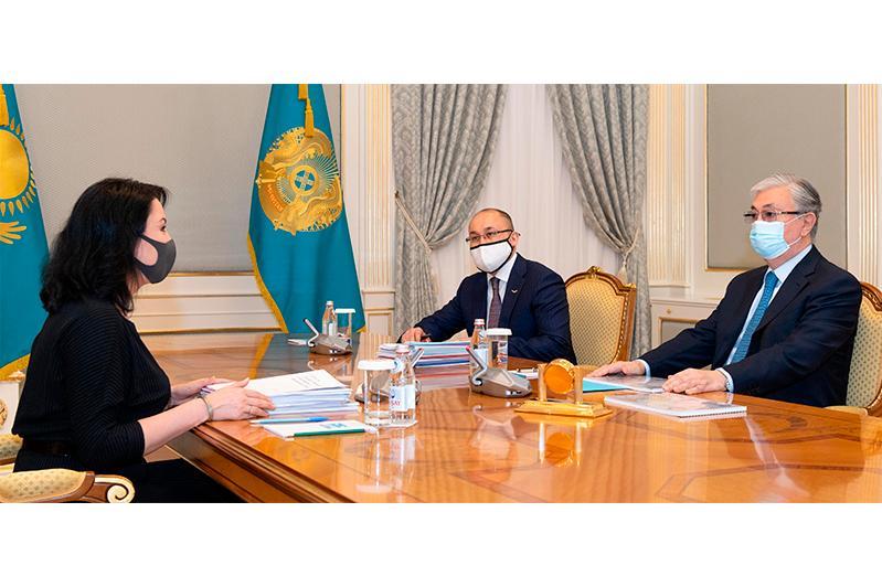 Глава государства принял уполномоченного по правам ребенка Аружан Саин