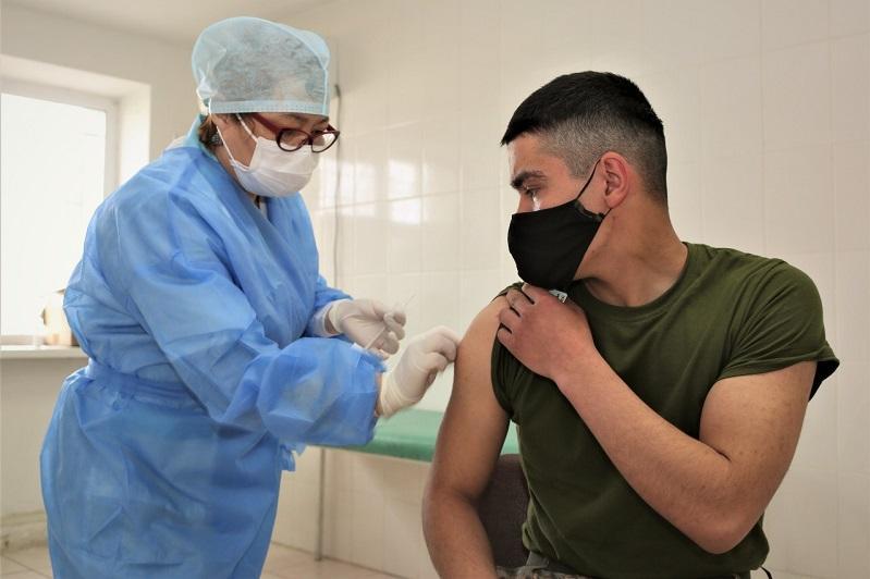Личный состав регионального командования «Запад» прошел вакцинацию