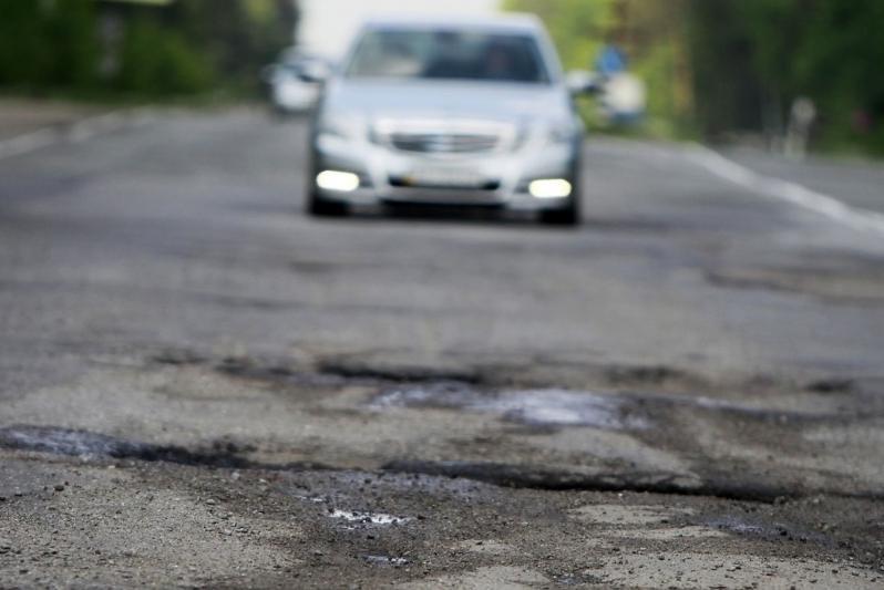 Состоянием дороги Сарыозек-Коктал возмутился аким Алматинской области