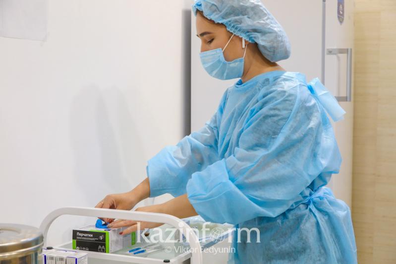 Данные по заболевшим коронавирусом и вакцинации озвучили в Алматы